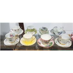 LOT OF 8 BONE CHINA TEACUPS/SAUCERS
