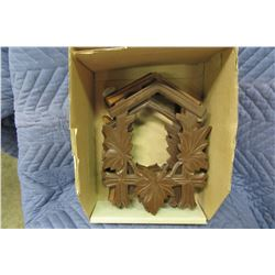 BOX WITH ASSORTED WOOD LEAVES FOR CUCKOO CLOCKS