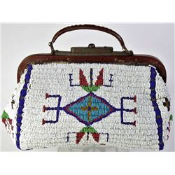 1890s-1900 Sioux fully beaded Doctor's bag
