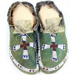 Beaded Plains moccasins