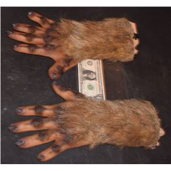 GRIMM SCREEN USED HERO ALIEN DEMON CREATURE HANDS SILICONE 3