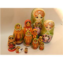 3SETS WOODEN DOLLS-1SET OF 2LG PINK AND GREEN/1 SET OF 3 USSR ORANGE MADE IN RUSSIA+1 SET OF 4 GREEN
