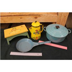 Lot of Vintage Kitchenware