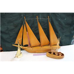 Boat Decor (3 Pieces, 2 Wooden)