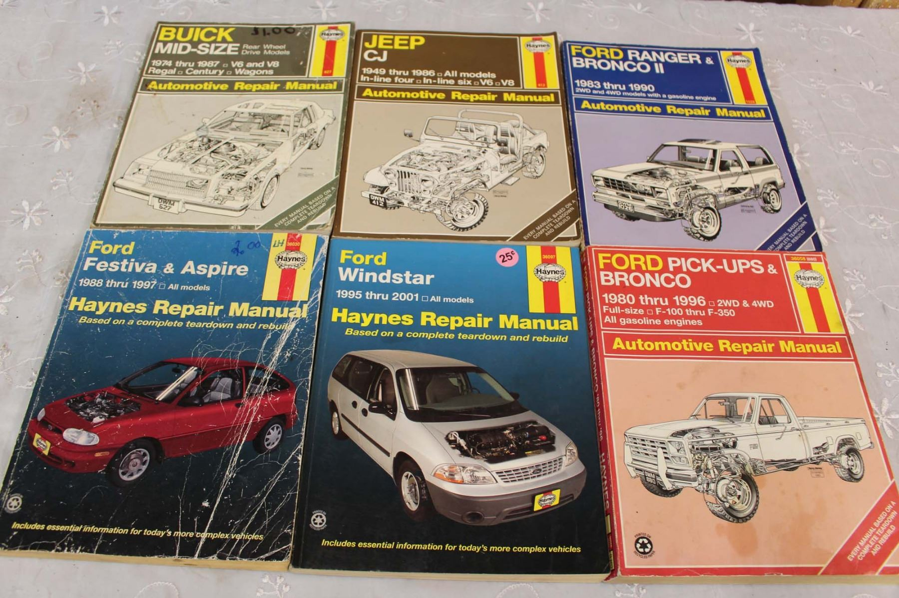 Image 1 : (6) Haynes Auto Manuals (Ford, Jeep, Buick) ...