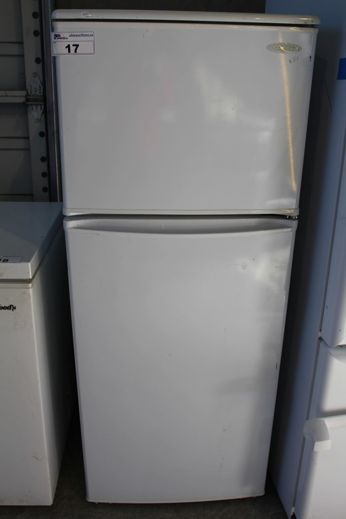 DANBY WHITE APARTMENT SIZED FRIDGE AND FREEZER...NOT WORKING