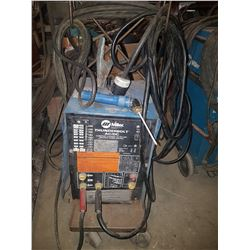 Miller ThunderBolt AC/DC Welding Machine