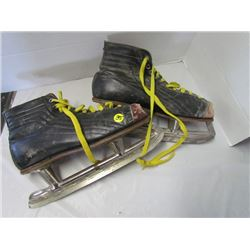 Size 11 Antique skates 1940s or 50s