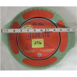 "NEW Anchor Hocking Fire King 2000 Jade-ite green 10"" pie plate, stickers."