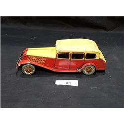 VINTAGE 1940'S FRICTION TIN TOY CAR
