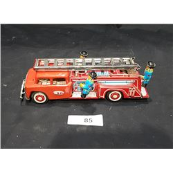 1950'S TIN FIRE TRUCK W/MEN