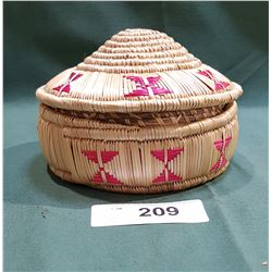 SMALL NATIVE BASKET W/LID