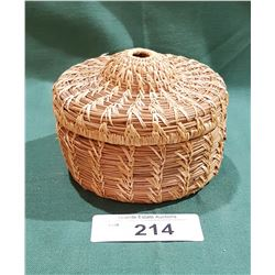 NATIVE WEAVED BASKET W/LID