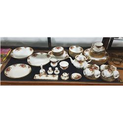 66 PC SET OF ROYAL ALBERT OLD COUNTRY ROSES CHINA