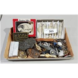 BOX OF COLLECTIBLES