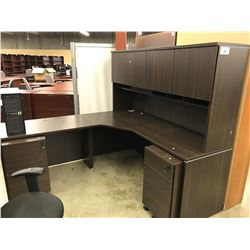 DARK WOOD 6' X 6' CORNER COMPUTER DESK, WITH HUTCH AND 2 MOBILE PEDESTALS