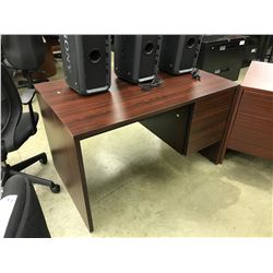 MAHOGANY 4' SINGLE PEDESTAL DESK
