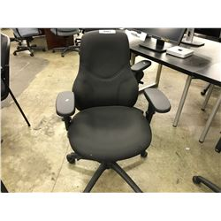 BLACK MID BACK MULTILEVER TASK CHAIR