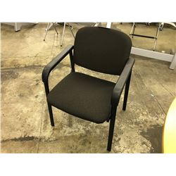 BLACK FABRIC CLIENT CHAIR