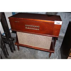 ANTIQUE HIGH FIDELITY RADIOGRAM
