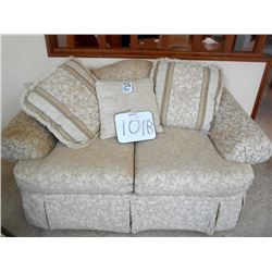 England/Corsair Sofa (medium) Like New