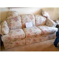 FLEXSTEEL Cushion Soft Floral Sofa /Like New