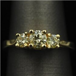 0.81 ctw Diamond Ring - 14KT Yellow Gold