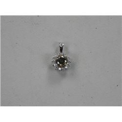 (CES09 161217) Ladies 18kt White Gold Pendant. 15