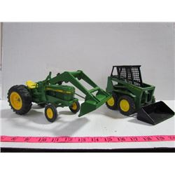 Ertyl-John Deere 2140 Toy Tractor + Bobcat+Attachment