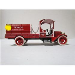 Texaco Petroleum Ertyl Collections Die Cast Coin Bank with key