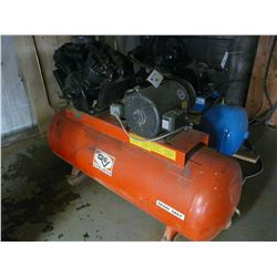 DEVILBISS MODEL 445 15HP HORIZONTAL TANK MOUNTED AIR COMPRESSOR
