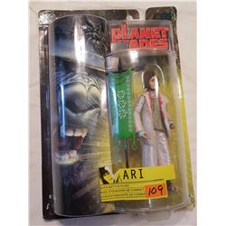 Planet of The Apes -Ari in Package