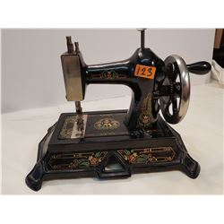 Metal (Not Tin) high quality Sewing Machine -Salesman Sample?