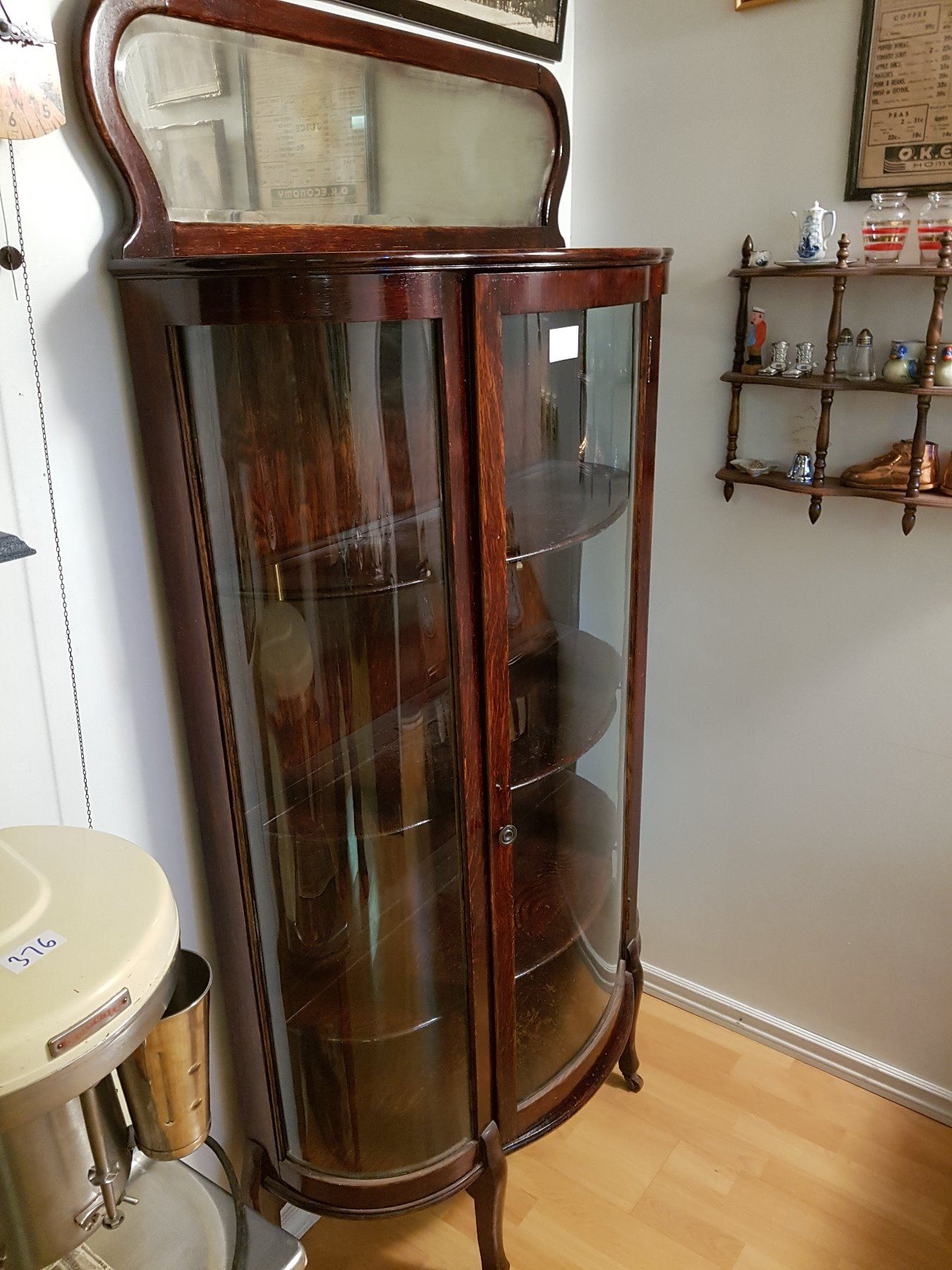 ... Image 2 : Antique Curved Glass China Cabinet With Mirror ... - Antique Curved Glass China Cabinet With Mirror