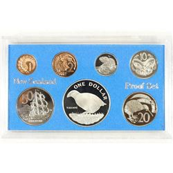 1982 NEW ZEALAND 7 COIN PROOF SET WITH SILVER