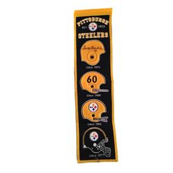 Father Figures Kyle (Owen Wilson) Steelers Banner Movie Props