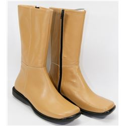 NEW LADIES TAN ZIP-UP BOOTS SIZE 6