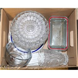 ESTATE BOX OF ASSORTED GLASSWARE