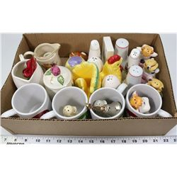 LOT WITH ASSORTED SALT AND PEPPER SHAKERS WITH