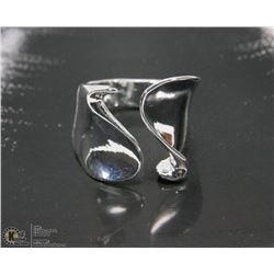 MODERN STYLE STERLING SILVER RING