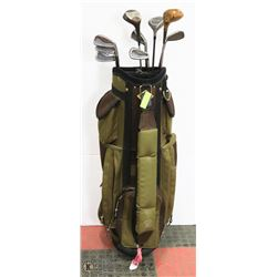 SET OF VINTAGE GOLF CLUBS WITH BAG.