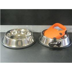 New pet bundle/ 2 stainless non skid bowls& retractible leash for