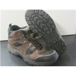 Hiking Boots size 8.5 m