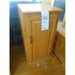 Like New Amish Made Solid Oak 2 Ft Single Book Cabinet