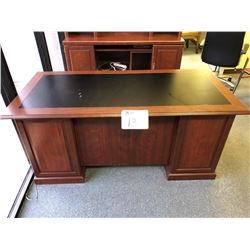 Executive desk, (9) drawers