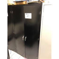 Metal cabinet, (5) shelf