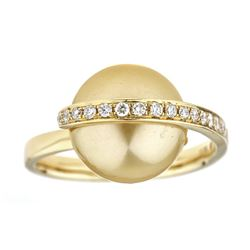 13.30 ctw Pearl and Diamond Ring - 18KT Yellow Gold