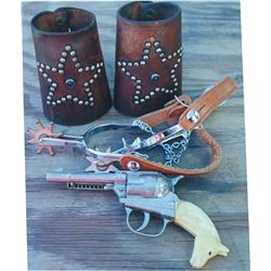 kids spurs, Hubley cap gun (has small crack on the grip