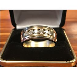 GENTS 14K WHITE & YELLOW GOLD RING CONTAINING 5 DIAMONDS (0.85CTS DIAMONDS/13.7GMS GOLD)