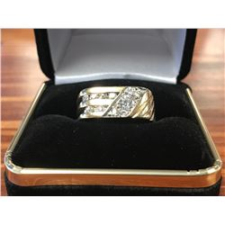 GENTS 10K WHITE & YELLOW GOLD RING CONTAINING 11 DIAMONDS (0.85CTS DIAMONDS/8.8GMS GOLD)